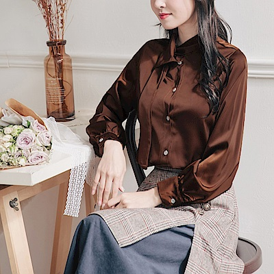 不對稱領口造型垂墜感緞面長袖襯衫/上衣-OB大尺碼