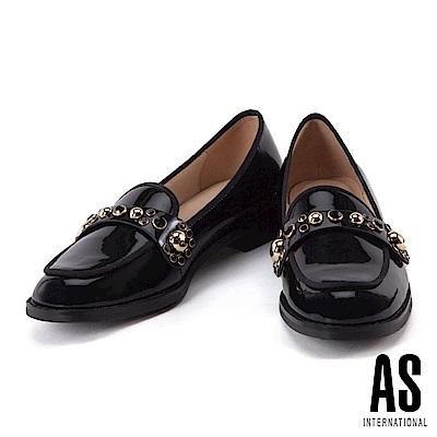 低跟鞋 AS 知性優雅排列鑽飾漆皮樂福低跟鞋-黑