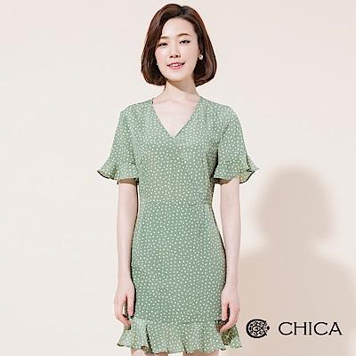 CHICA 波卡舞曲圓點圍裹V領荷葉洋裝(2色)