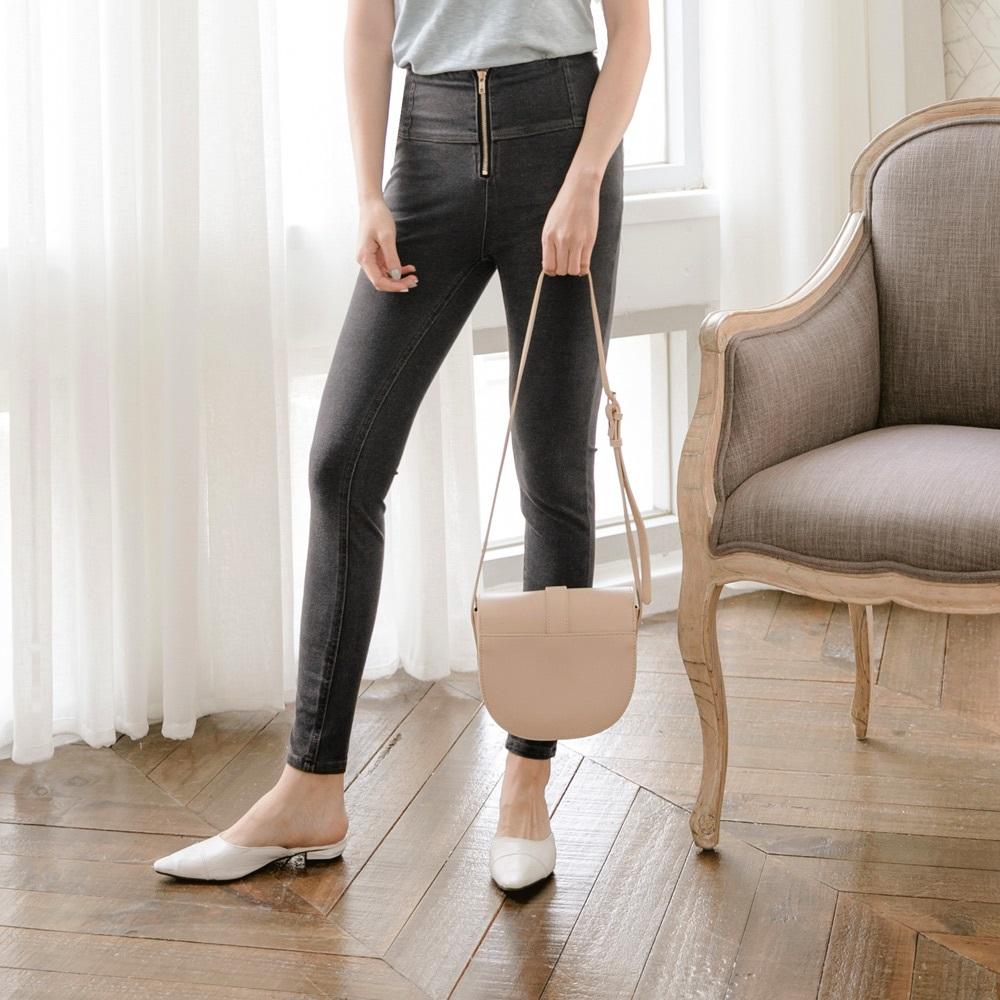 高腰收腹立體車縫設計牛仔翹臀窄管褲-OB大尺碼