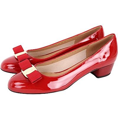 Salvatore Ferragamo VARA 唇紅色蝴蝶結漆皮粗跟鞋(展示品)