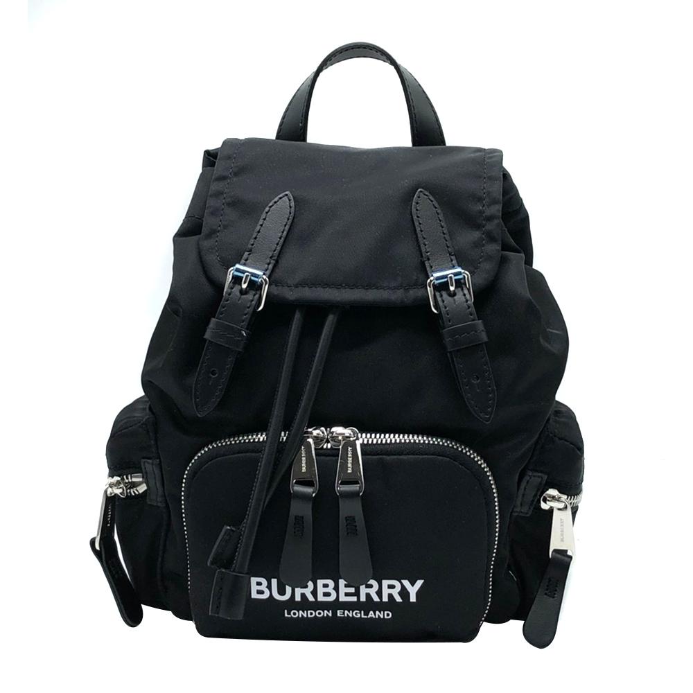 BURBERRY The Rucksack 品牌印字帆布後背包-小(8021258-黑)