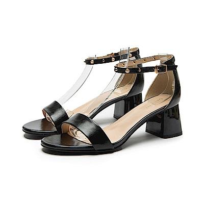 達芙妮DAPHNE 涼鞋-珍珠鉚釘粗跟一字涼鞋-黑