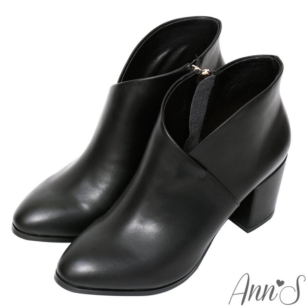 Ann'S絕美交叉V口顯瘦尖頭粗跟短靴-黑(版型偏小)
