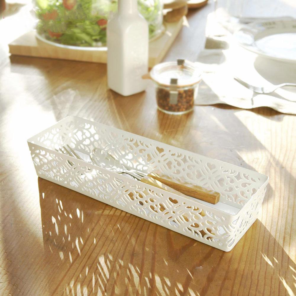 【YAMAZAKI】Kirie典雅雕花收納盒-白★筆筒/筆桶/刷具桶/雜物收納