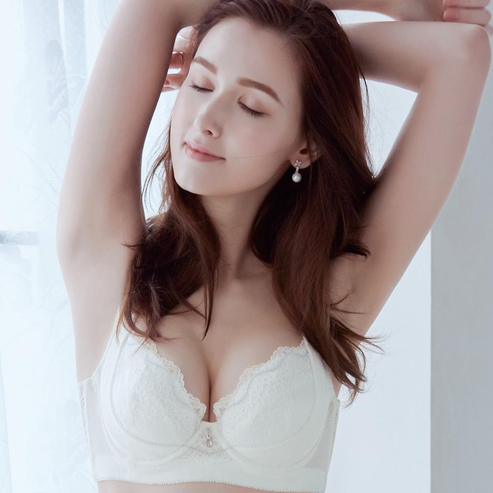 推EASY SHOP-眷戀舒波AIR 美背款C-E罩內衣(愛戀白)
