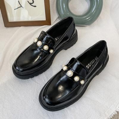 韓國KW美鞋館 優雅珍珠質感大頭鞋-黑