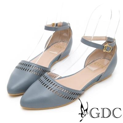 GDC-莊園女孩真皮氣質簍空雕花後包繞帶尖頭鞋-淺藍色