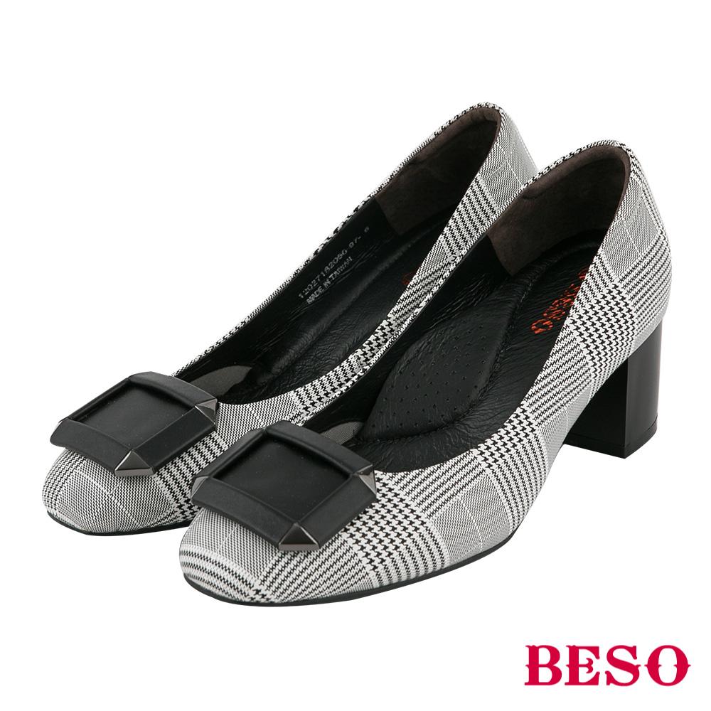 BESO 英倫格紋 魅力真皮復古粗跟鞋 格紋黑