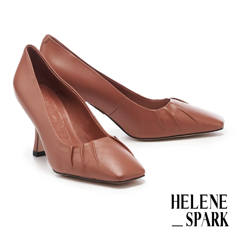 高跟鞋 HELENE SPARK 極簡時髦超軟羊皮小抓皺美型方頭高跟鞋-棕