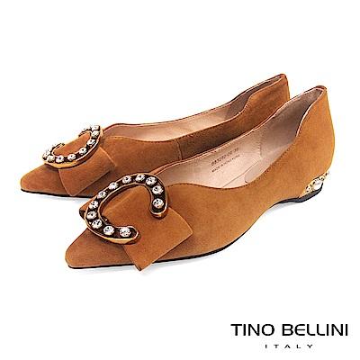 Tino Bellini 華麗C字鑽釦佐寬板蝴蝶結尖楦娃娃鞋 _ 棕