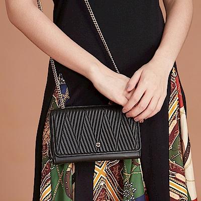 Maria Carla手拿肩背包-羊皮V雙用鏈條包_完美格調、迷漾輕時尚系列(霧黑)