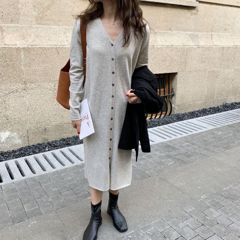 La BellezaV領素面排釦包心紗側開叉針織長版洋裝