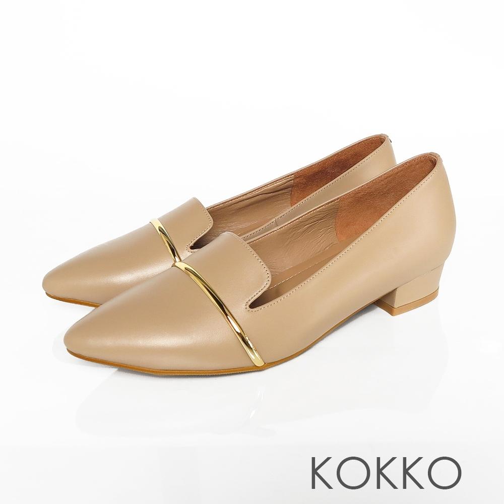KOKKO - 尖頭牛皮舒芙蕾軟墊平底鞋- 焦糖