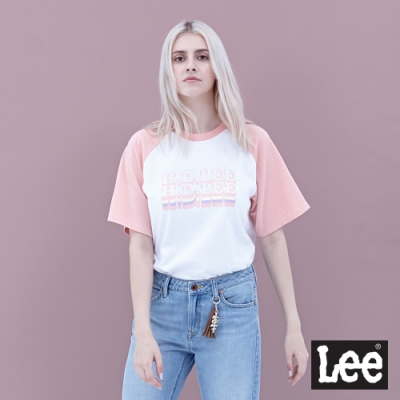 Lee 短T 男朋友版 logo粉紅色拉克蘭袖立體HD LEE撞色文字印刷 女 白