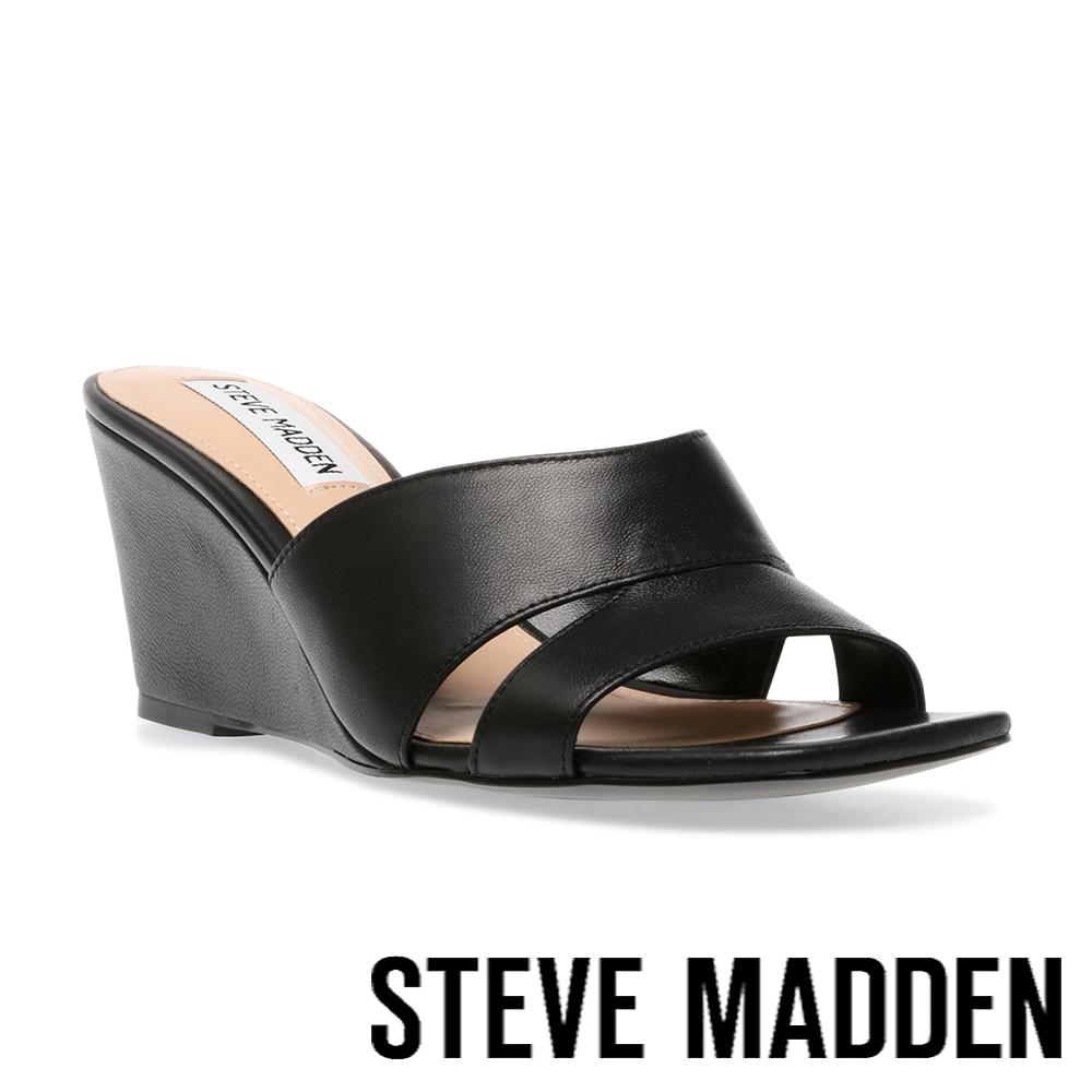 STEVE MADDEN-ELESSIA 皮質方頭楔型涼拖鞋-黑色