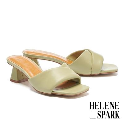 拖鞋 HELENE SPARK 慵懶時髦微V剪裁全羊皮方頭高跟拖鞋-綠