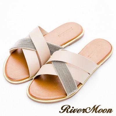 River&Moon大尺碼-時尚交叉皮革金屬金邊涼拖鞋-米杏