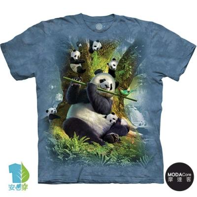 摩達客-美國進口The Mountain 演奏熊貓群 純棉環保藝術中性短袖T恤
