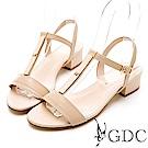 GDC-氣質簡約素色真皮T字粗跟涼鞋-卡其色