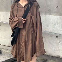 La Belleza素面連帽抽繩單口袋排釦長版寬鬆棉麻襯衫外套