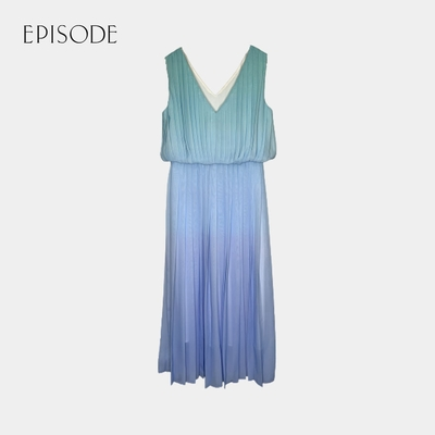 EPISODE - 優雅輕薄漸變藍V領百褶無袖長洋裝(藍)