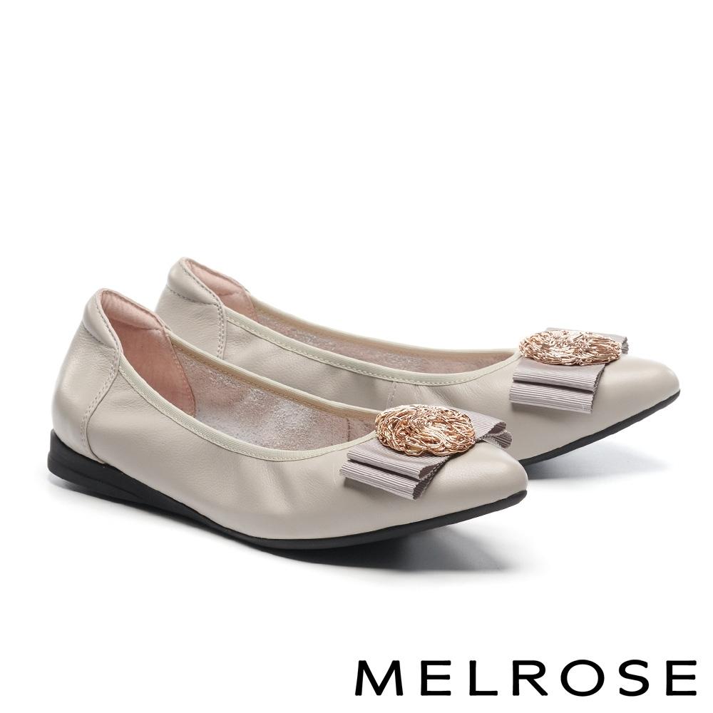 低跟鞋 MELROSE 氣質風采蝴蝶結金屬飾釦造型全真皮低跟鞋-灰