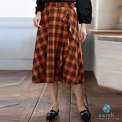 earth music 格紋不對稱荷葉摺邊設計長裙