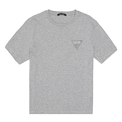 GUESS-男裝-素色經典倒三角logo短T-灰