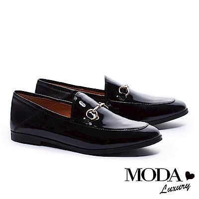 低跟鞋 MODA Luxury 英倫街頭金屬釦牛漆皮樂福低跟鞋-漆皮黑