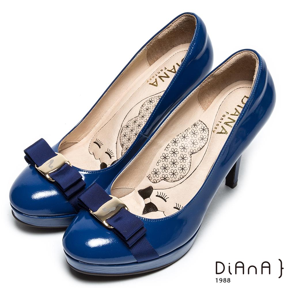 DIANA 漫步雲端厚切瞇眼美人款-立體緞面蝴蝶結跟鞋-英國藍