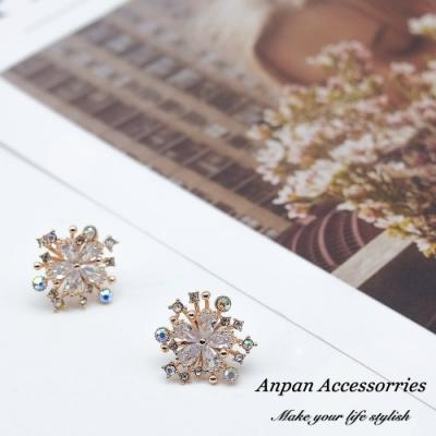 【ANPAN愛扮】韓東大門精緻水晶花叢925銀針耳釘式耳環