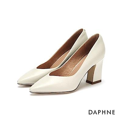達芙妮DAPHNE 高跟鞋-真皮修飾尖頭粗跟高跟鞋-米白