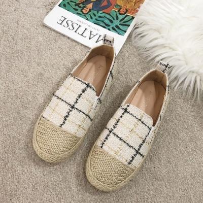 韓國KW美鞋館 女人最大復古風情格紋草編帆布鞋-米白