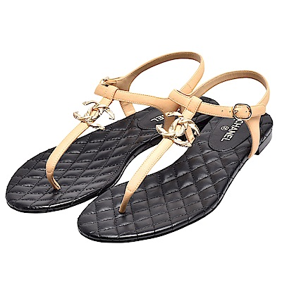 CHANEL 麻花羅紋復古金色雙C LOGO菱格紋羊皮T字夾腳涼鞋(駝X黑)