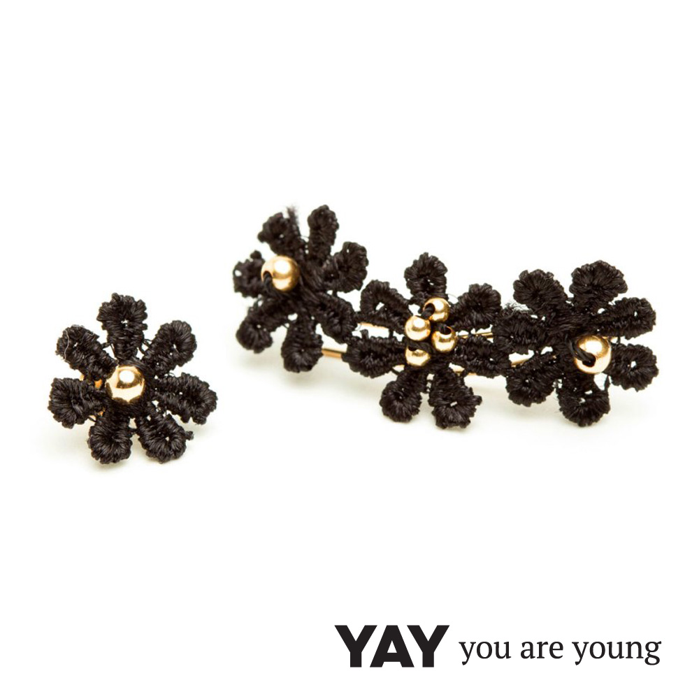 YAY You Are Young Black Swan 黑蕾絲花朵 不對稱貼合耳廓耳環