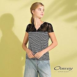 OUWEY歐薇 微性感蕾絲拼接V領條紋上衣(黑)