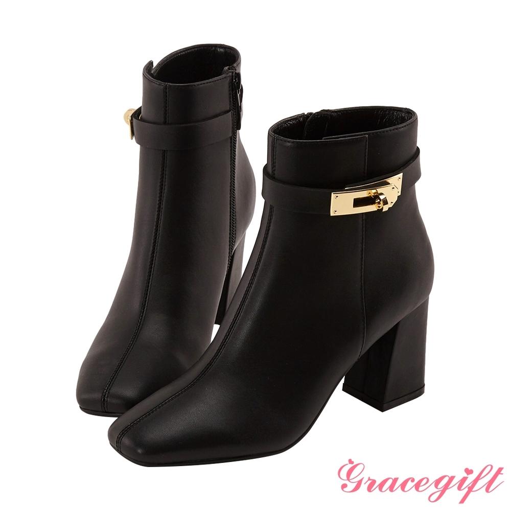 Grace gift X Wei-聯名方頭鎖釦高跟短靴 黑
