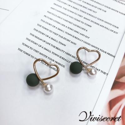 VIVI SECRET 甜美女孩鏤空愛心耳環-墨綠色