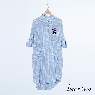 beartwo 格紋口袋英文單字刺繡長版襯衫(二色)