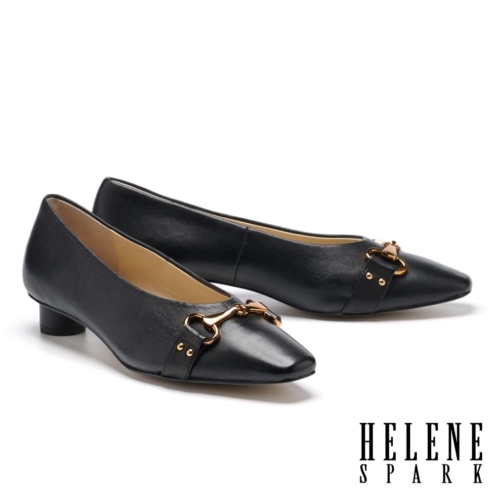 低跟鞋 HELENE SPARK 內斂時尚馬銜釦小方楦低跟鞋-黑