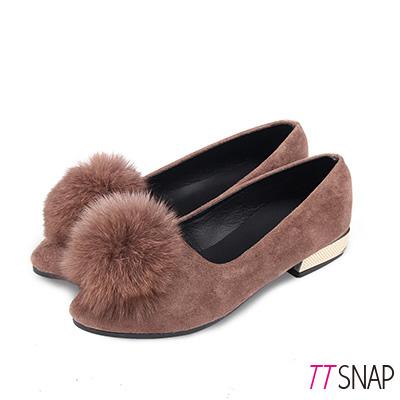 TTSNAP娃娃鞋-溫暖大毛球絨面平底低跟鞋 卡其