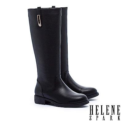 長靴 HELENE SPARK 簡約率性金屬方飾低跟長靴-黑