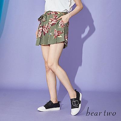 beartwo 度假日子花印綁帶短褲(中綠)