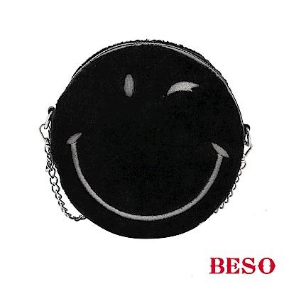 BESO 歡愉時光 圓形刺繡笑臉包~黑