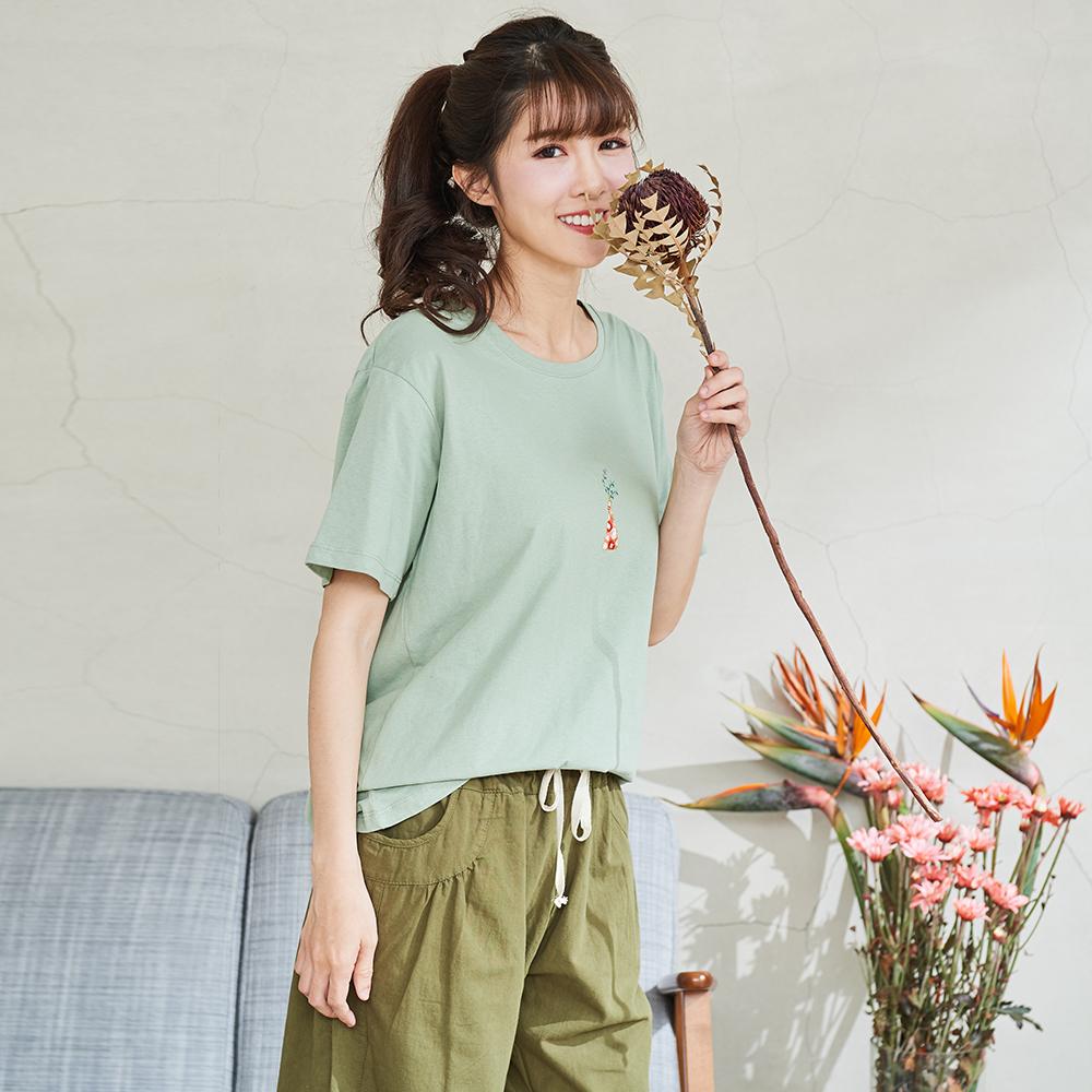 慢 生活 花瓶刺繡短袖T-綠