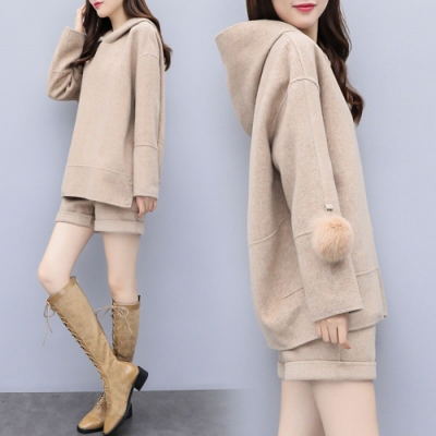 【韓國K.W.】(預購)泰迪熊爆款毛絨絨連帽套裝-1色