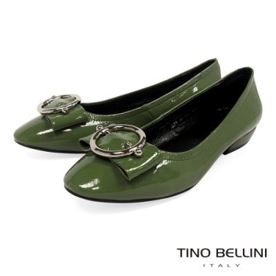 Tino Bellini亮澤牛漆皮金屬釦低跟娃娃鞋_綠