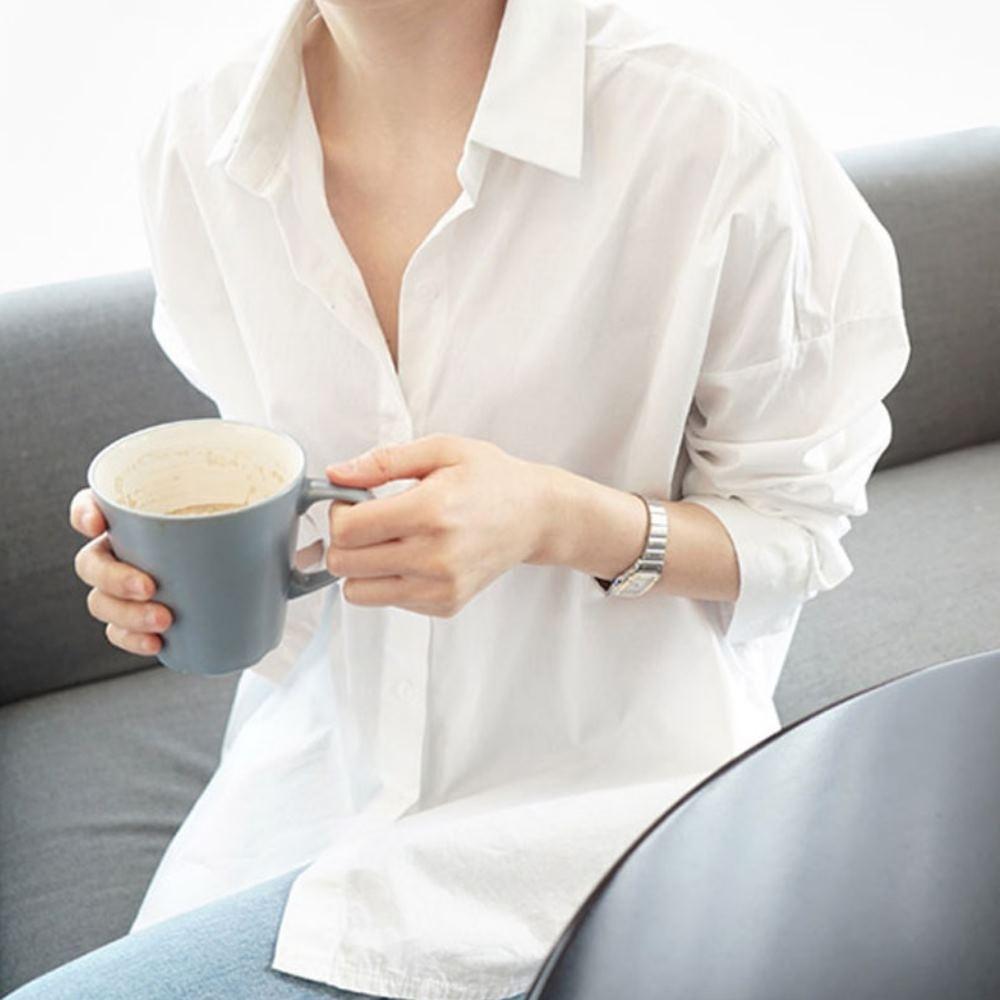 La Belleza素色排釦前短後長側邊圓弧絲棉開釦襯衫