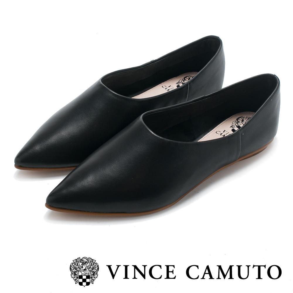 Vince Camuto 小羊皮素面尖頭平底鞋-黑色